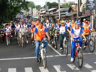 Direktur Topografi Angkatan Darat Melepas Peserta Fun Bike Sejahtera Idonesiaku