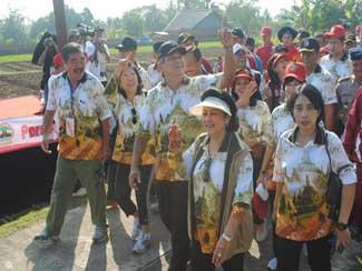 Gubernur Akmil Ikuti Borobudur Interhas 2012