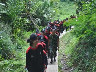 Pelatihan Disiplin SMA Pangudiluhur Jakarta Di Akademi Militer