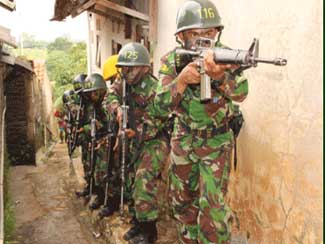 Pasis Diktukpa TNI AD Ta. 2012 Gel. I Latihan Tikpur Serangan Pemukiman