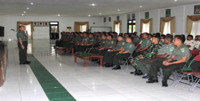 Danrem 171/Pvt berikan Pengarahan Kepada Prajurit dan PNS Korem