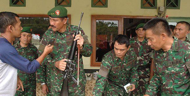 images_img_KodamIM_senjata-m16-diserahkan