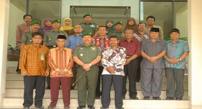 Kunjungan Kerja Gubernur Akmil Ke Umm Magelang dan Pemda Kab. Magelang