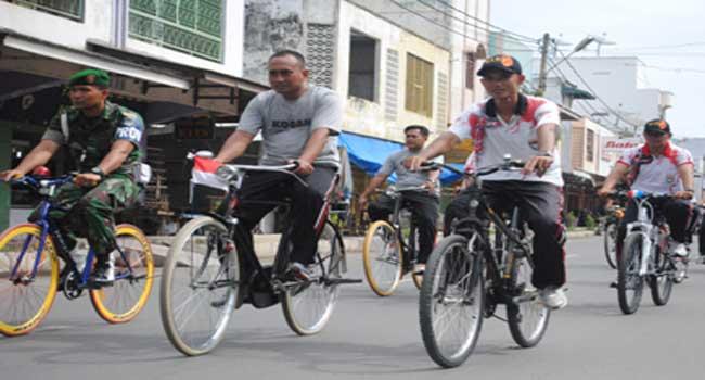 Dandim 0103/Aceh Utara Beserta Anggota Bersepeda Santai Mengelilingi Kota Lhokseumawe