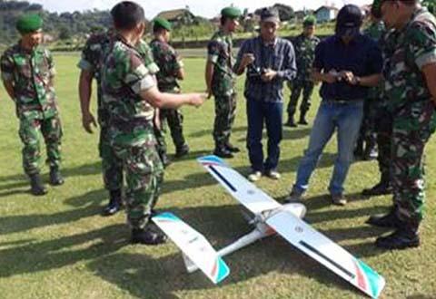 Dittopad Kerjasama Dengan ITB Laksanakan Uji Coba Pemotretan Udara Menggunakan Pesawat Tanpa Awak ( UAV )