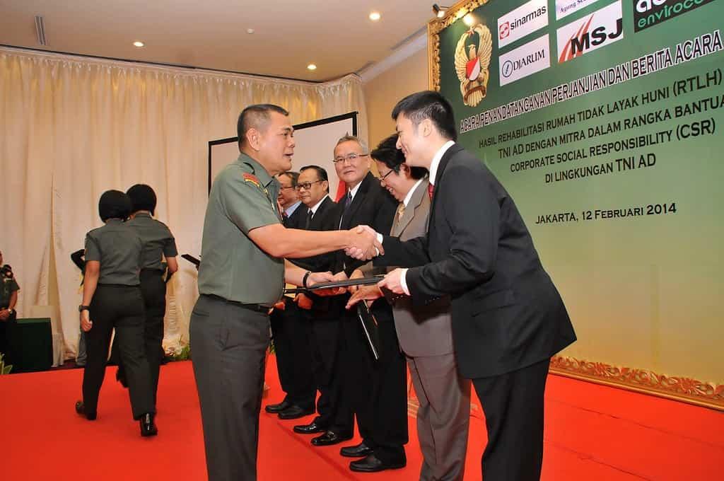 Rehab Rumdis Tidak Layak huni Selesai, TNI AD – Mitra Tandatangani Berita Acara Serah Terima