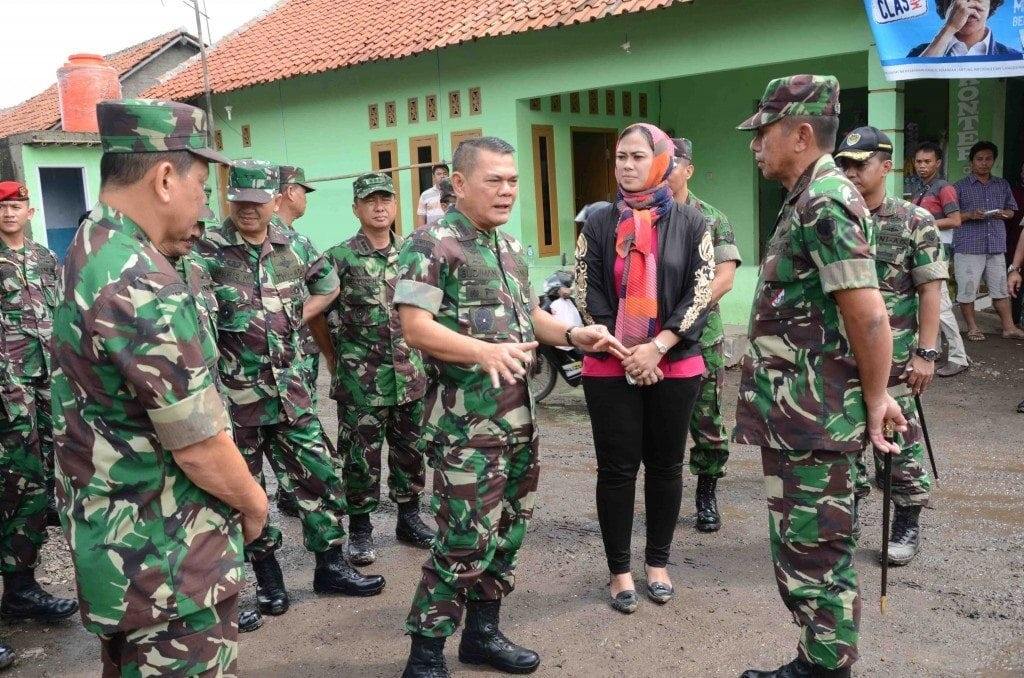TNI AD Tindaklanjuti Instruksi Presiden Tanggap Darurat Jalan di Wilayah Pantura.