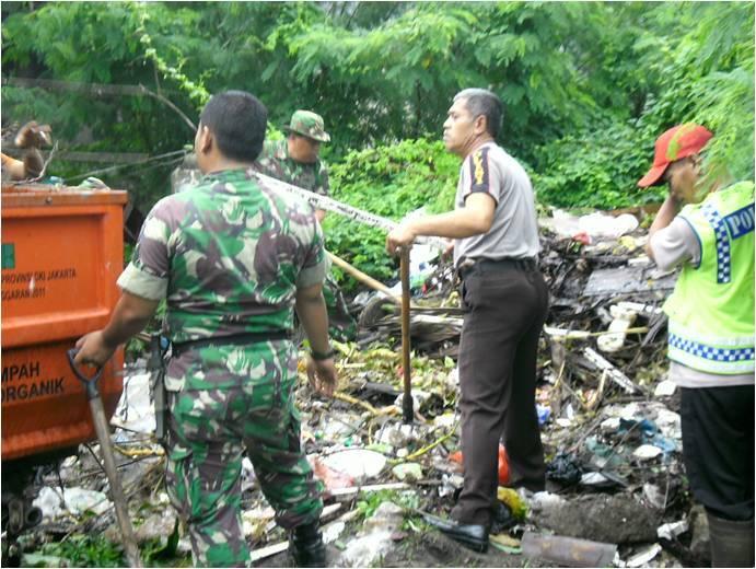 Karya Bhakti Pasca Banjir Wilayah Koramil 05/KJ