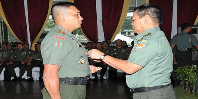 Kasad buka Apel Dansat TNI AD Terpusat TA. 2014
