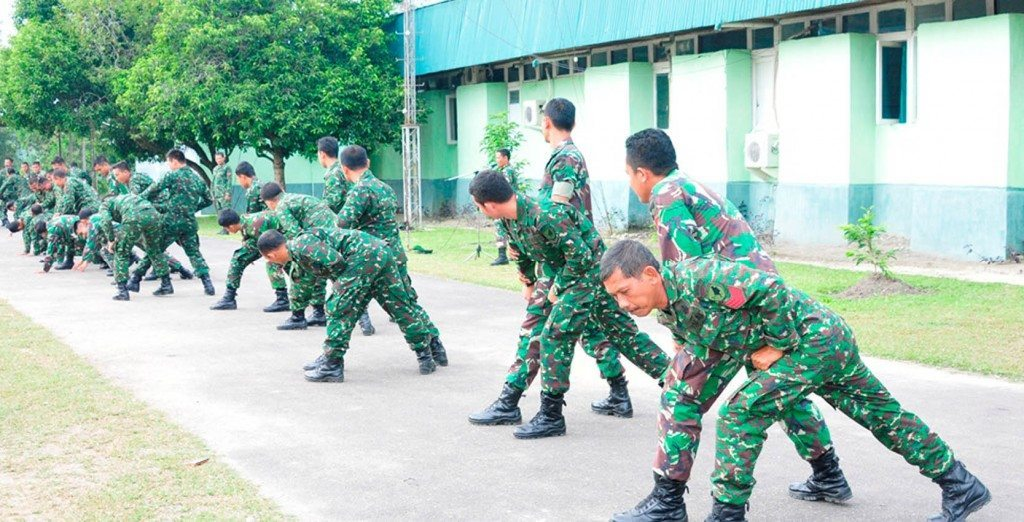 Prajurit Korem 121/Abw Minggu Militer Diisi Kegiatan Bela Diri