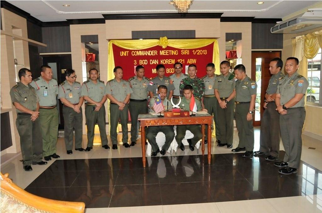 TNI-TDM Giat Commander Meeting
