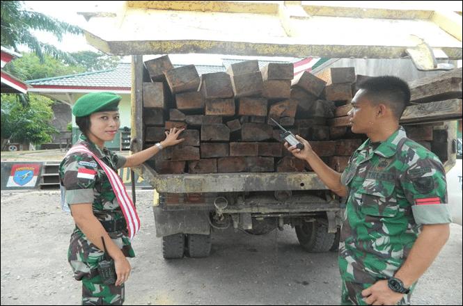 143-Pos Bantan kayu ilegal1