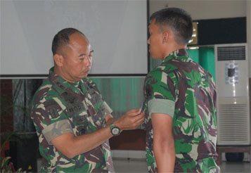 Wadan Kodiklat TNI AD Resmi Menutup Kegiatan Pembekalan Gumil/Tih Terpusat TA 2014