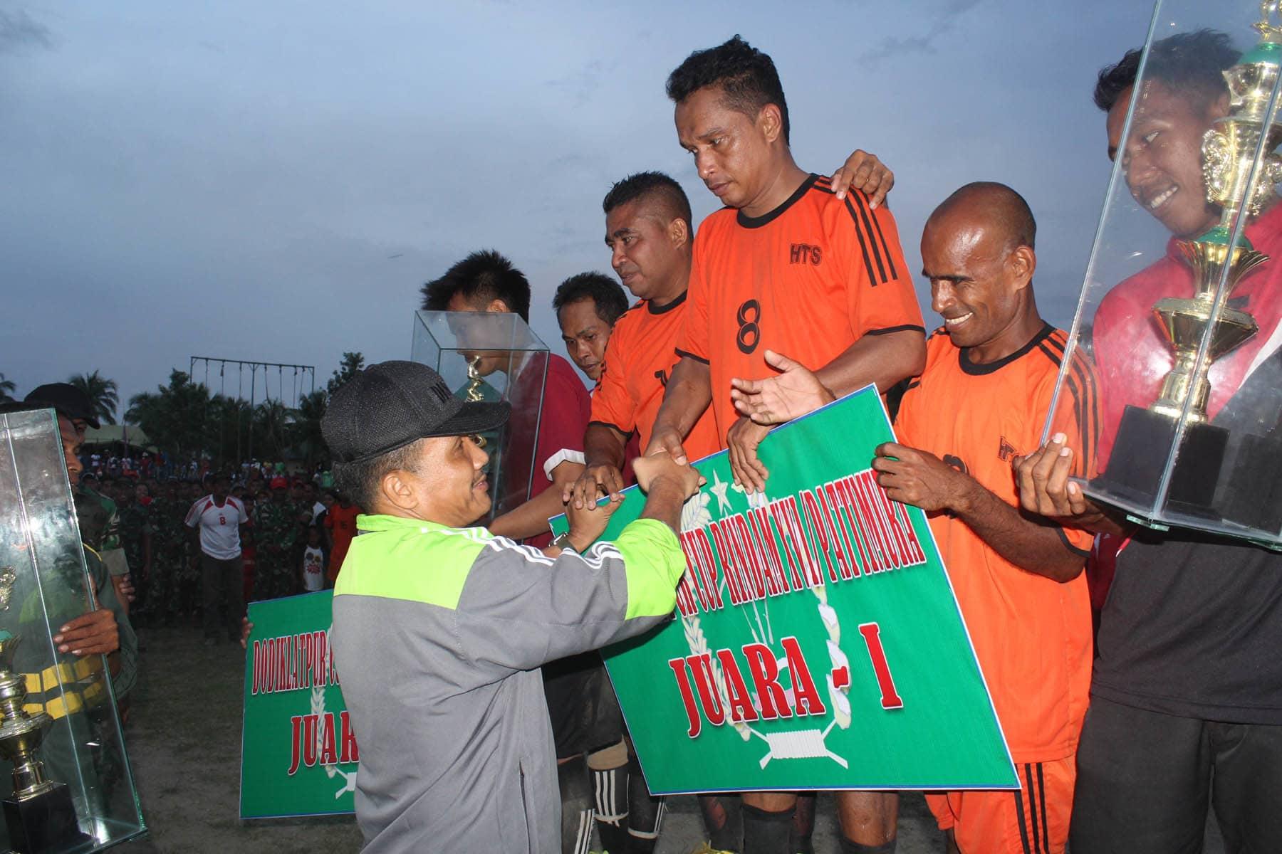 Danrindam XVI/Pattimura menutup Turnamen Sepak Bola (Dodiklatpur)