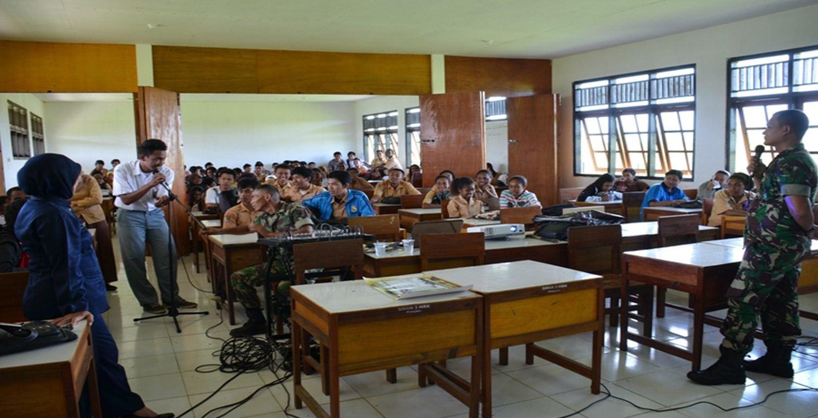 TINGKATKAN MINAT PEMUDA PEMUDI MERAUKE AJENREM 174/ATW GELAR KAMPANYE PENERIMAAN PRAJURIT TNI AD