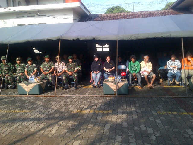 PEKAN BAKTI TNI SATUAN KOSTRAD DI KAMPUNG PULO JAKARTA TIMUR DAN WISMA SEROJA BEKASI