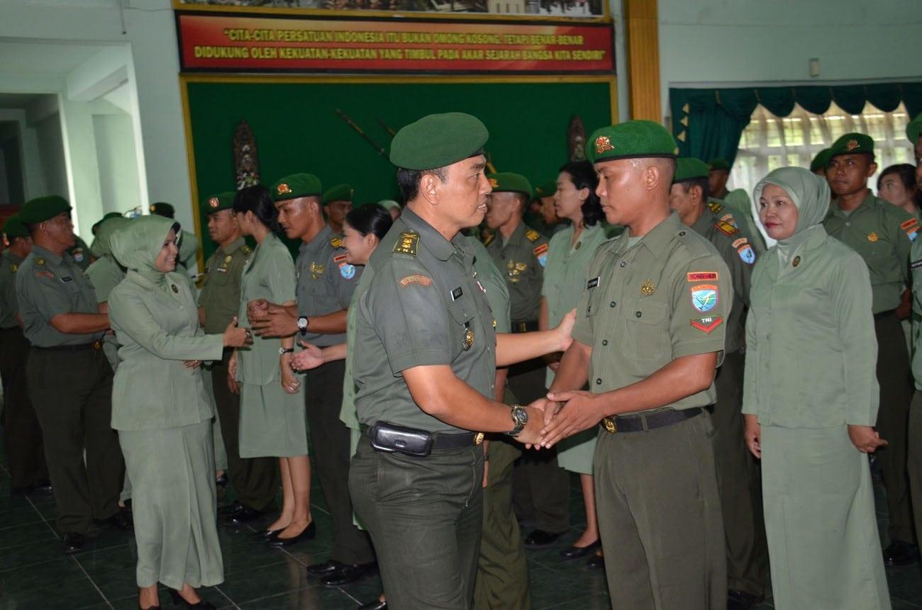 Korem 102/Pjg Laksanakan Acara Tradisi Corps Kenaikan Pangkat