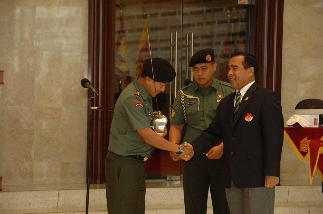 Panglima TNI Tandatangani MoU TNI dengan KONI Pusat