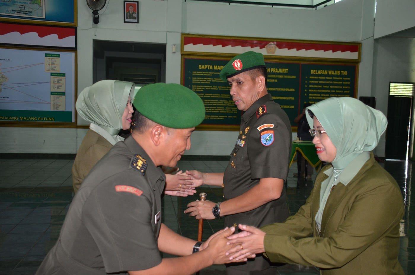 Danrem 102/Pjg Pimpin Sertijab Dandim dan Korps Raport Tradisi Perwira