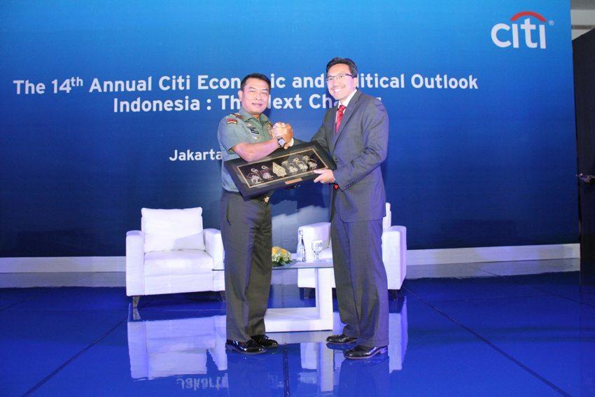 Panglima TNI : TNI Jamin Keamanan Investor di Indonesia