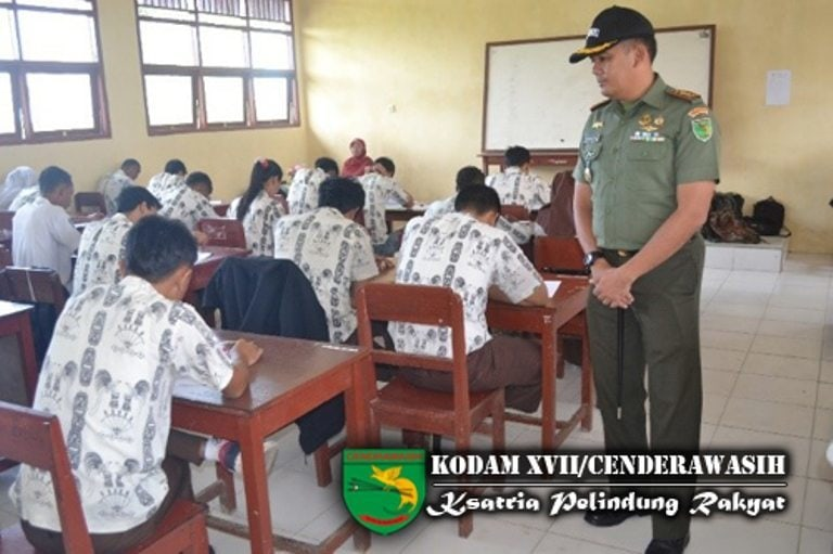 Kodim 1704/Sorong Melaksanakan Try Out Ujian Nasional (UN) Tingkat SMA