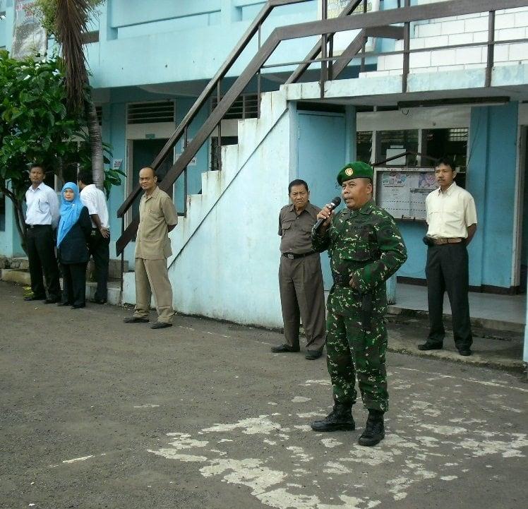 Danramil 05/KJ Komsos di SMK Dewi Sartika Jakarta Barat