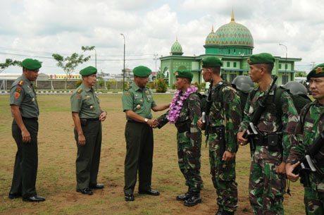 Kasdam XII/Tanjungpura Sambut Purna Tugas Satgas Pamtas RI-PNG Yonif 642/Kapuas