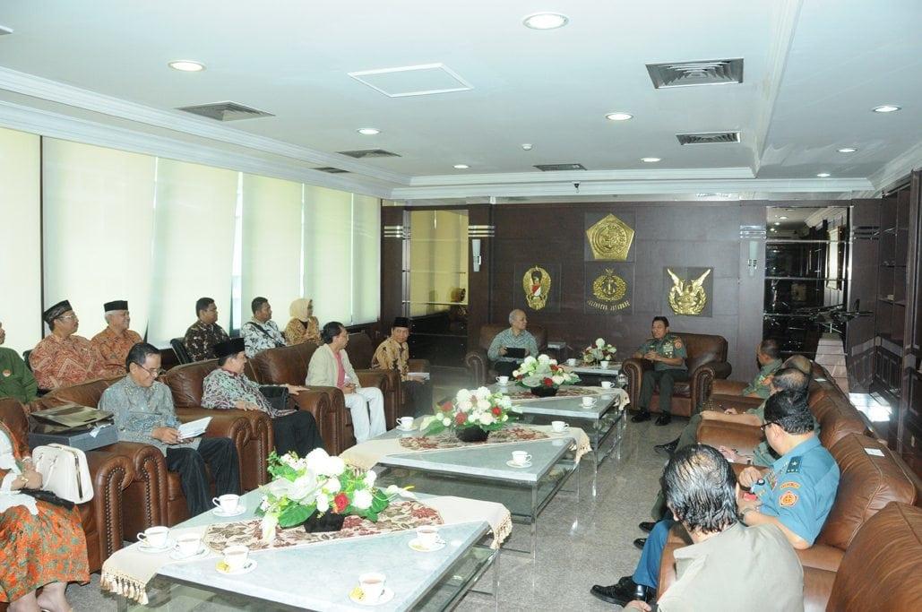Wakil Rektor UI dan Rektor UBK Temui Panglima TNI
