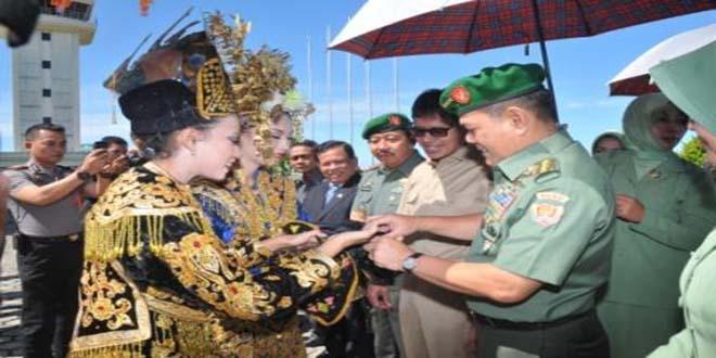 Kasad Beri Pengarahan Kepada Prajurit dan PNS di Korem 032/Wbr