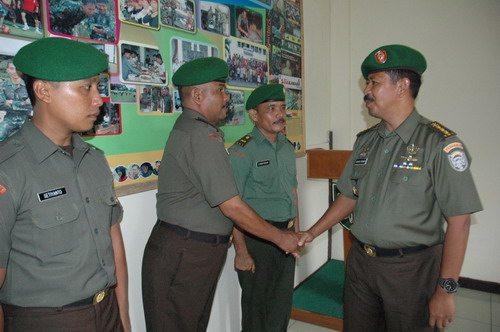 Sepuluh Prajurit dan PNS Pendam IM Naik Pangkat