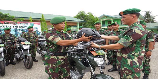 Dandim 0104Aceh Timur Menyerahkan 82 Sepeda Motor
