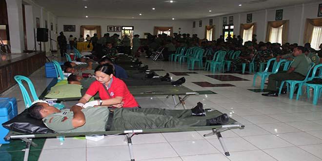 Donor Darah Dalam Rangka HUT Ke-51 Kodam XVII/Cenderawasih dan Korem 171/Pvt Tahun 2014.