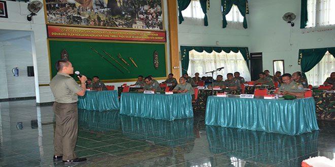 Penataran Mobile Training Team (MTT) Hukum Sebagai Fungsi Komando di Korem 102/Pjg