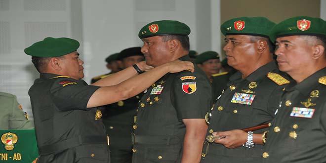 Jabatan Pangdam V/Brawijaya, Pangdam XVI/ Pattimura dan Aster Kasad Diserahterimakan