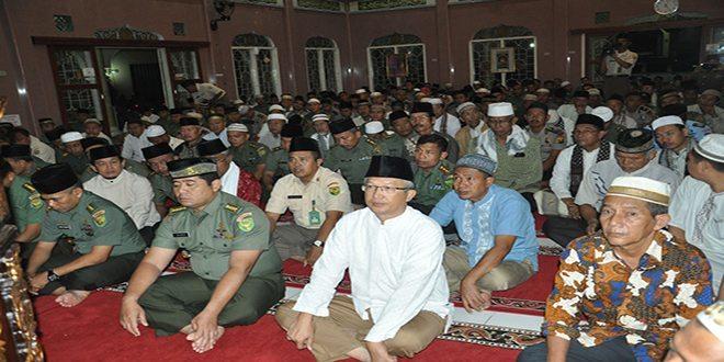 Manunggal Subuh Kodam II/Swj di Masjid Al-Ghaniy Palembang