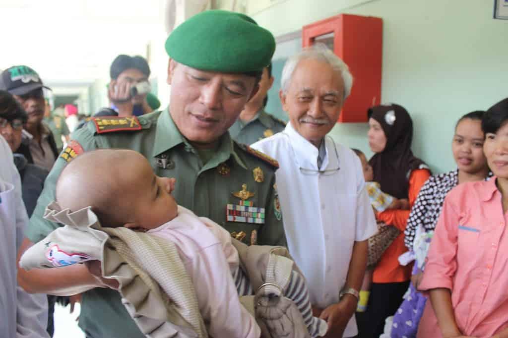 Rem 062/Tn Garut laksanakan operasi gratis