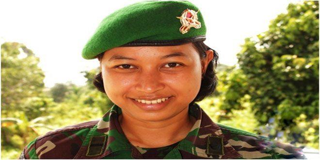 Letda Ckm (K) dr. Dita Yulia Bintari Dokter Satgas Pamtas TNI