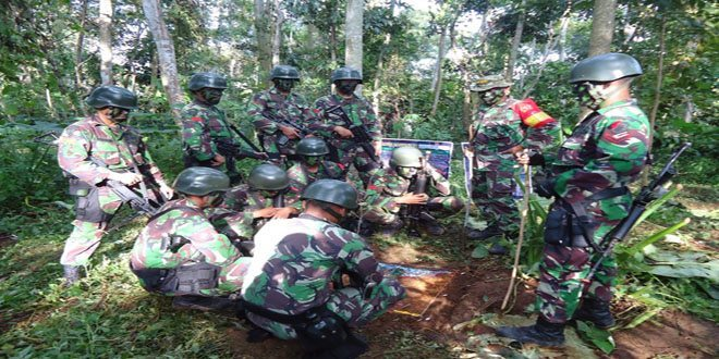 Latihan UST Tingkat Regu Yonif Linud 503/Mk di Trawas
