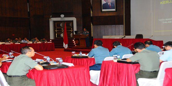 Kasum TNI Buka Rakorkersin TNI 2014