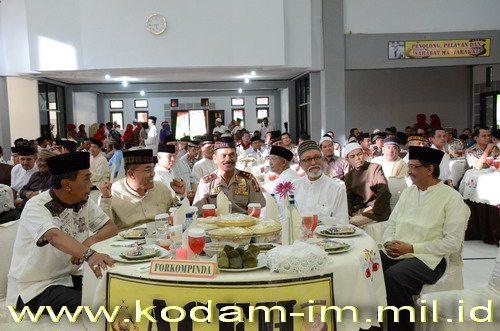 Pangdam IM Buka Bersama di Polda Aceh