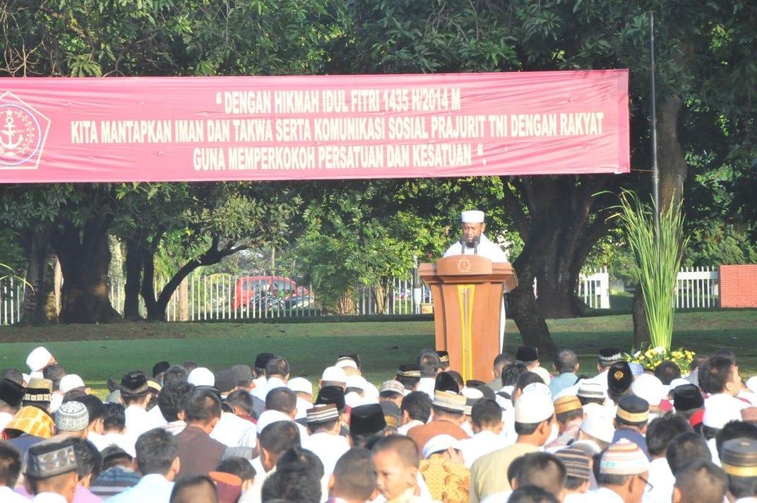 Mabes TNI Gelar Sholat Idul Fitri 1435 H