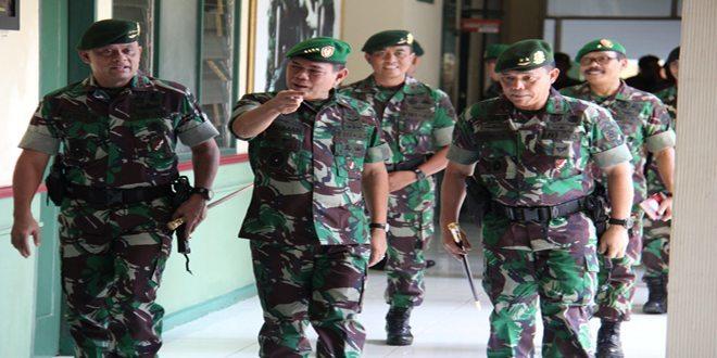 Pengarahan Kasad Kepada Prajurit Divisi Infanteri 1 Kostrad
