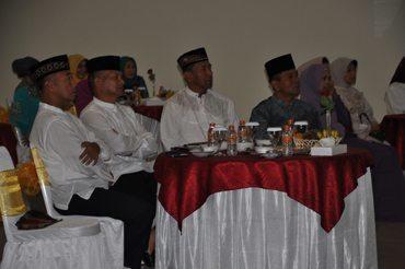 Komandan Kodiklat TNI AD melaksanakan Tarawih keliling