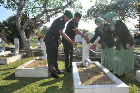 Ziarah Rombongan Peringati HUT Ke-56 Kodam XII/Tpr