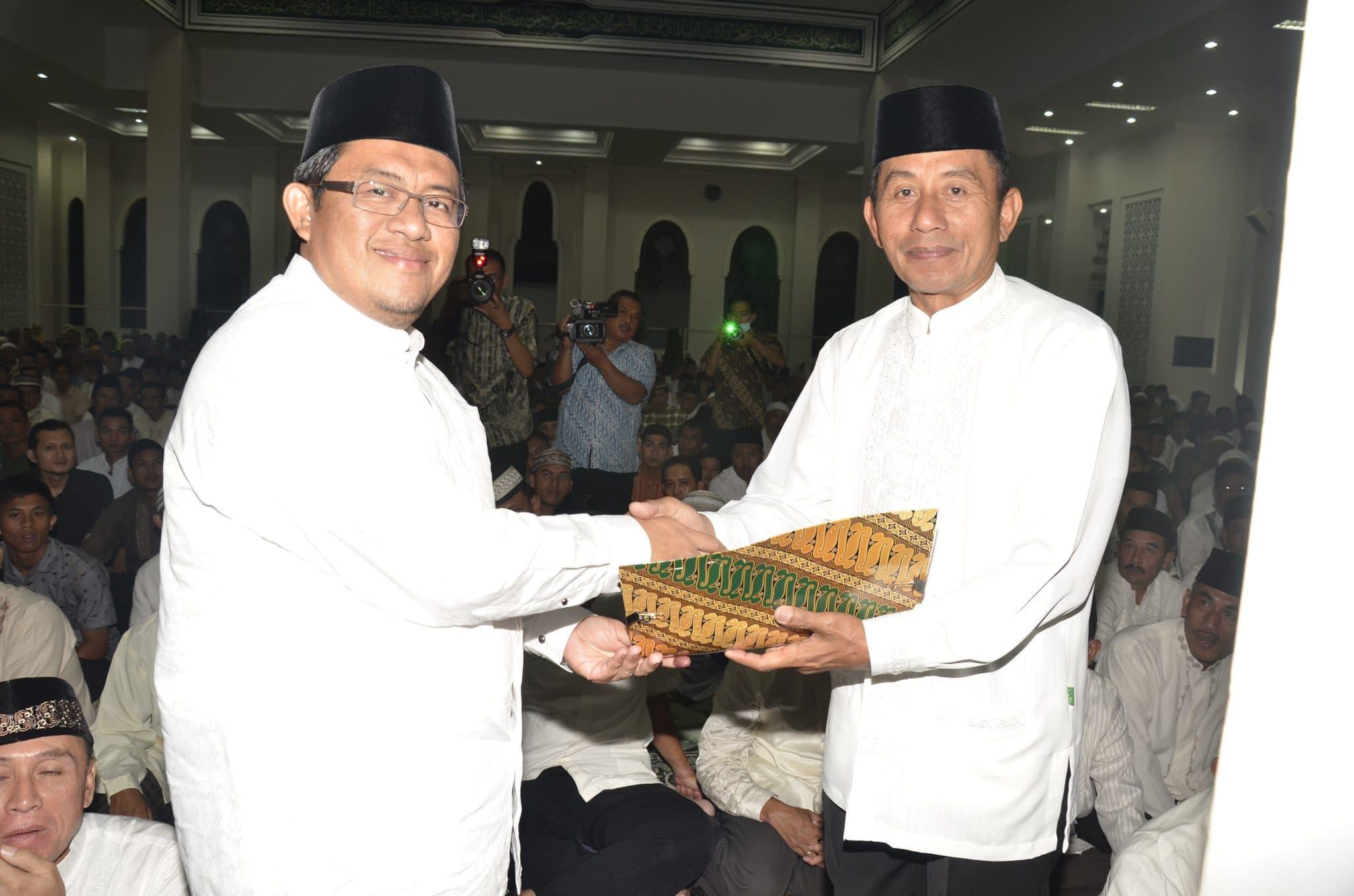 Pangdam III/Slw Shalat Tarawih Bersama Forkopimda Jabar di Mesjid Al-Ikhlas.