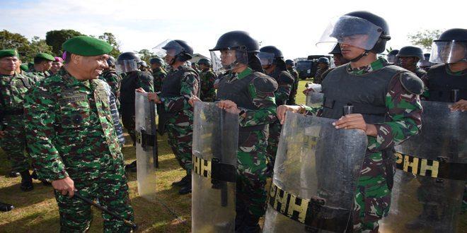 Korem 174/Atw Melaksanakan Apel Gelar dan Pengecekan Kesiapan Pasukan Dalam Rangka Mendukung Pengamanan Pilres 2014