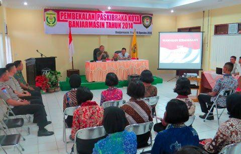 Dandim 1007/Bjm Berikan Pembekalan Wawasan Kebangsaan Dan Bela Negara Pada Paskibraka Kota Banjarmasin
