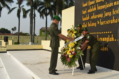 Ziarah Rombongan Di TMP Dreded Dalam Rangka HUT Ke-65 Korem 061/Sk