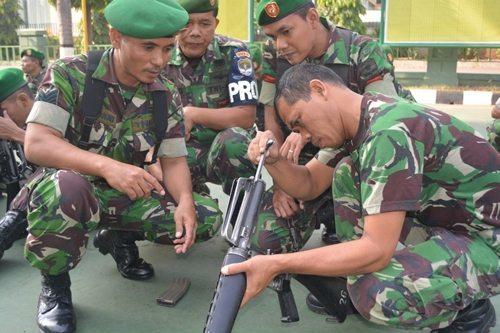 Prajurit Korem 051/Wkt Asah Kemampuan Bongkar Pasang Senjata