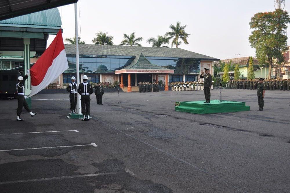 KASAD Ajak Masyarakat Ciptakan Situasi Kondusif Upacara Bendera 17-An Di Makodam II/Swj